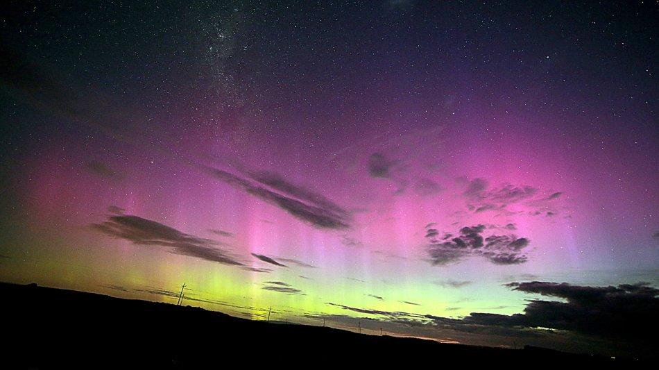 pillars-aurora.JPG JPEG 0540358828